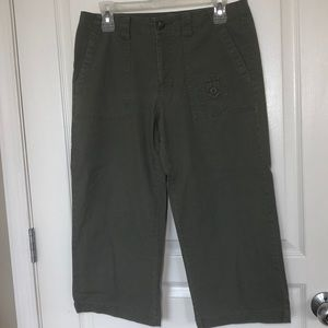 DOCKERS ARMY OLIVE GREEN CAPRIS POCKETS S 6 COTTON